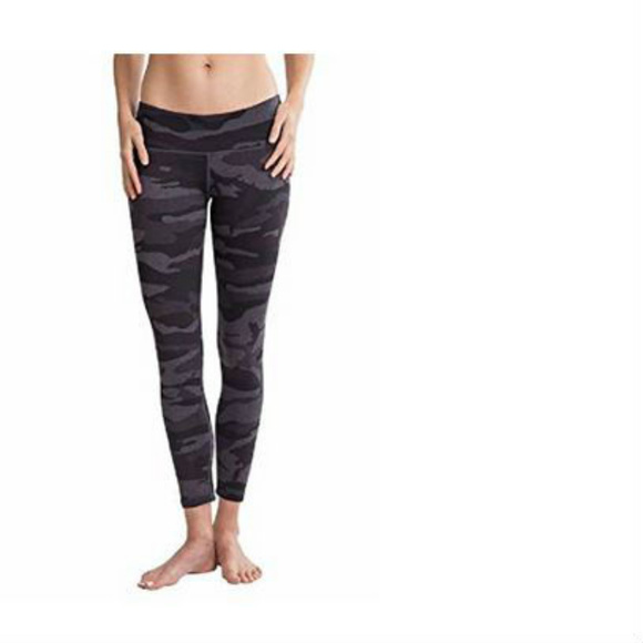 5f22ea2c6366a Tuff Athletics Women's Active Yoga Leggings. M_5a997fbe46aa7c3e0526b10b